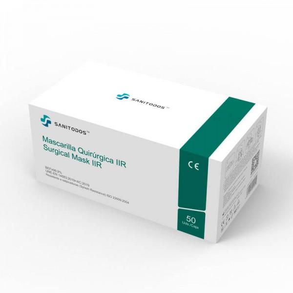 En la siguiente fotografía encontrarás a una modelo con una mascarilla quirúrgica naranja certificada con la homologación 14683